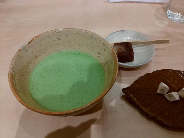 札幌三越のお抹茶席で和を嗜んでみた