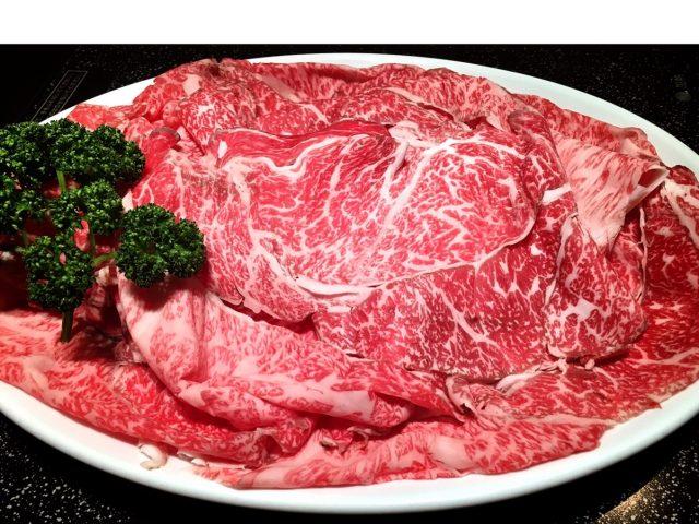 すき焼 しゃぶしゃぶの「牛のいしざき」でとろけるお肉を食べてみた